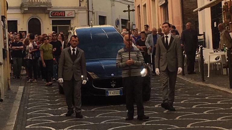 processione funerale religioso